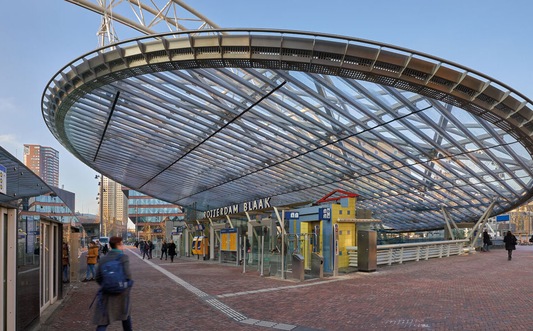 Lichtplaten voor Station Blaak